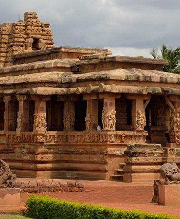 800px-Durga_Temple